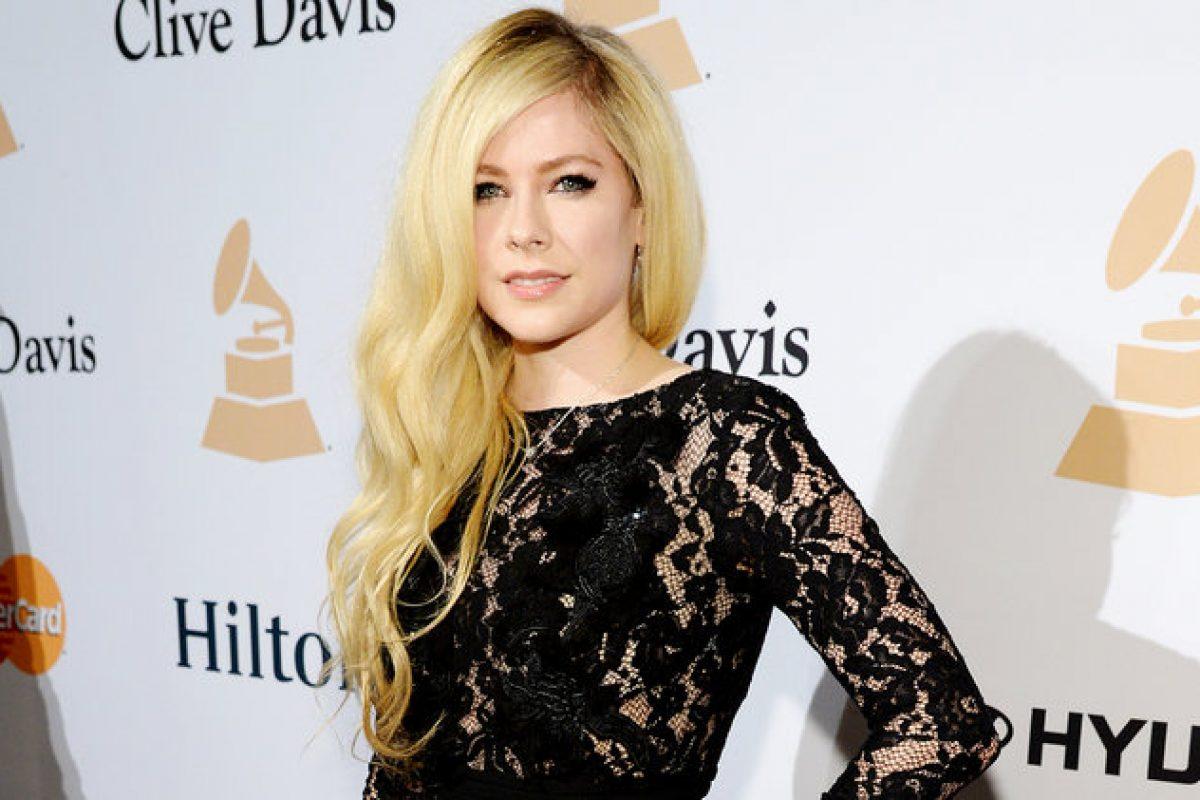 Avril Lavigne planea regresar con nuevo álbum