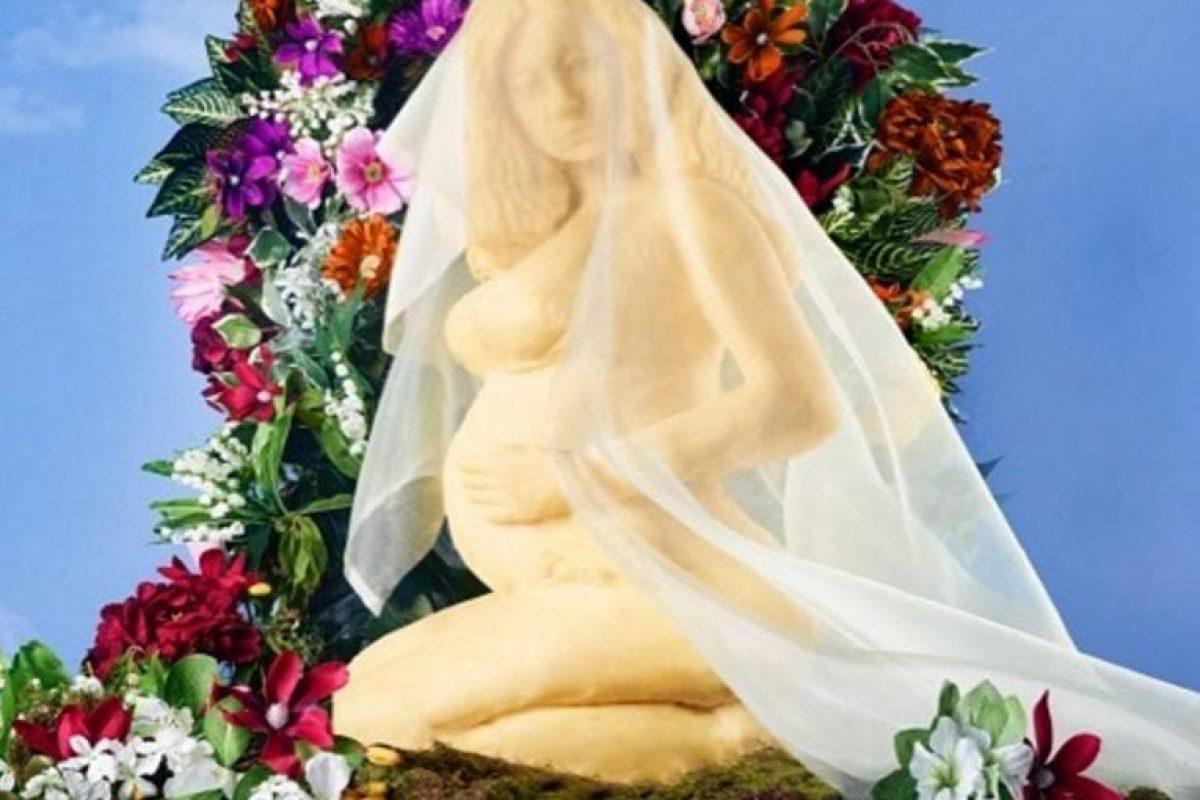 Escultor crea estatua de Beyonce…. DE QUESO