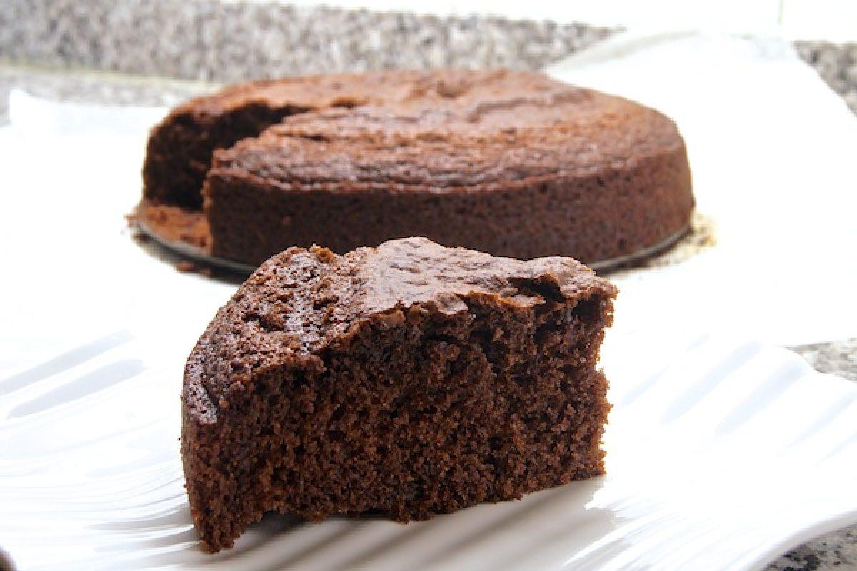 Cómo preparar el bizcocho de chocolate más rico sin utilizar azucar