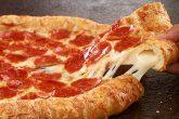 Hora de almorzar en el nuevo local de Pizza Hut