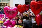 Ariana Grande regresa a Manchester con otros artistas, para homenajear a las víctimas del atentado
