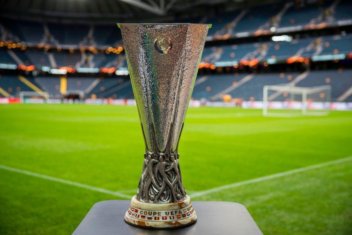 Minuto de silencio en la final de la Europa League