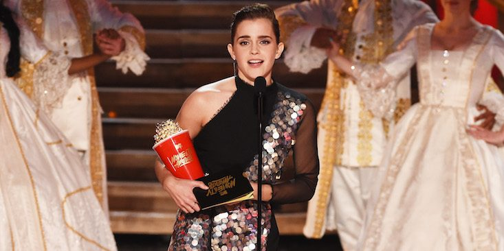emma-watson-wins-mtv-movie-awards