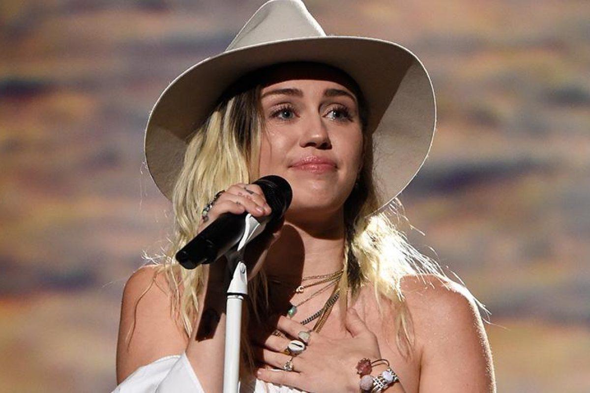 Miley se arrepiente de haber grabado un vídeo musical