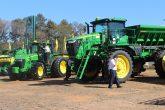 Feria Original con mega máquinas John Deere – Automaq en Caaguazú