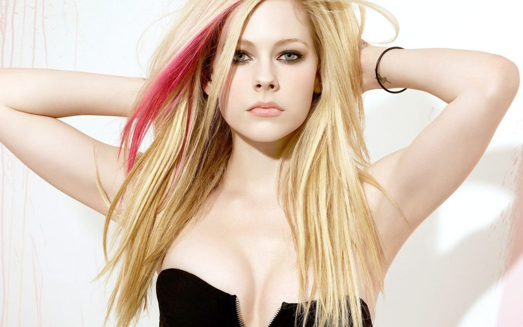 steal_the_look_avril_lavigne