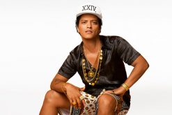"Bruno Mars lanza el video oficial de ""Versace on the Floor"""