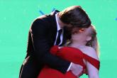 Liam Hemsworth se besa con otra chica que no es Miley Cyrus