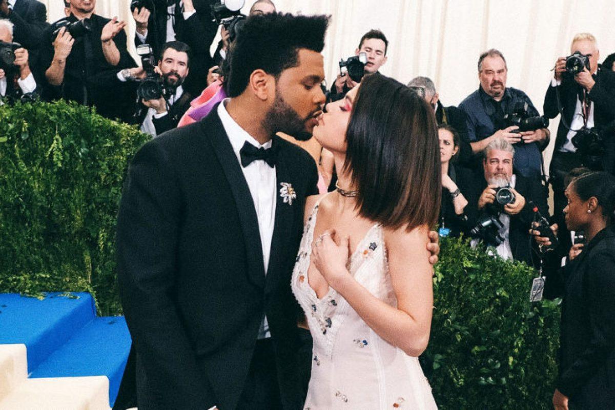 Noche de romance, pizza y videojuegos para The Weeknd y Selena Gomez