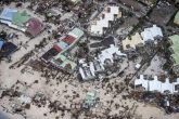 Irma deja más de 15 muertos y bajo escombros al Caribe