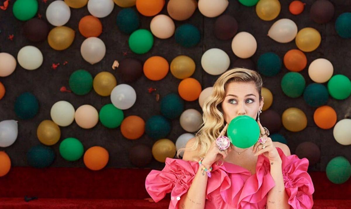 Miley Cyrus vuelve a sus raíces con su nuevo álbum