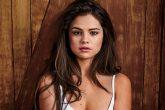 Zapatos de Selena Gomez causan sensación en alfombra roja