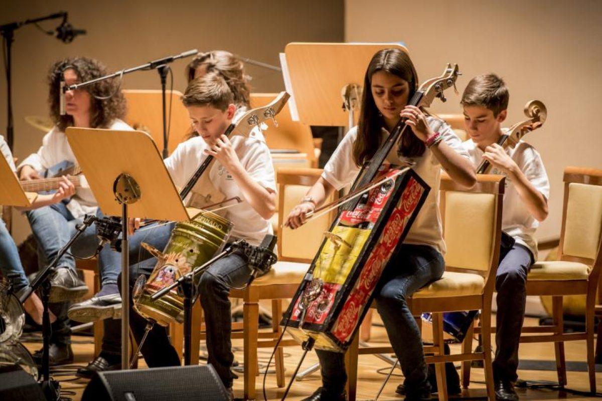 Orquesta de Reciclados de Cateura realizará gira por Buenos Aires