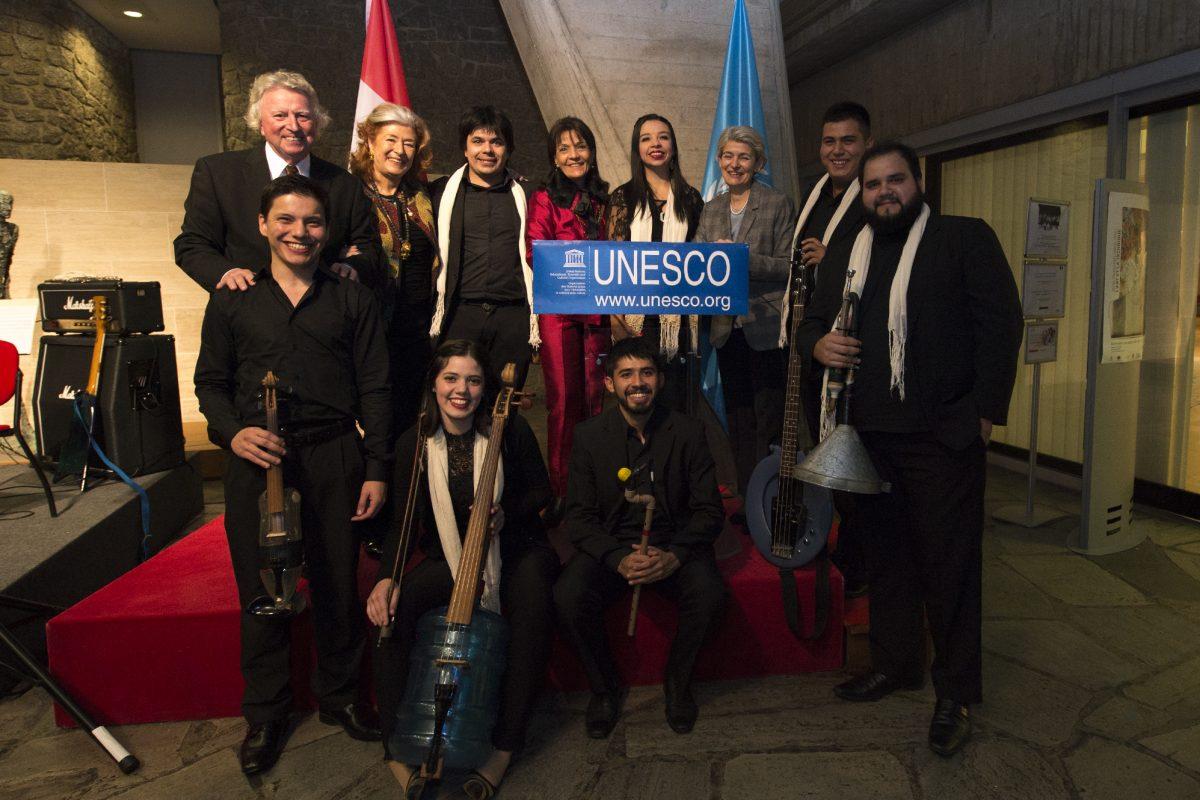 La Orquesta H2O Sonidos de la Tierra se presentó en París