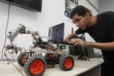 120 estudiantes se benefician con el curso de robótica de Itaipú