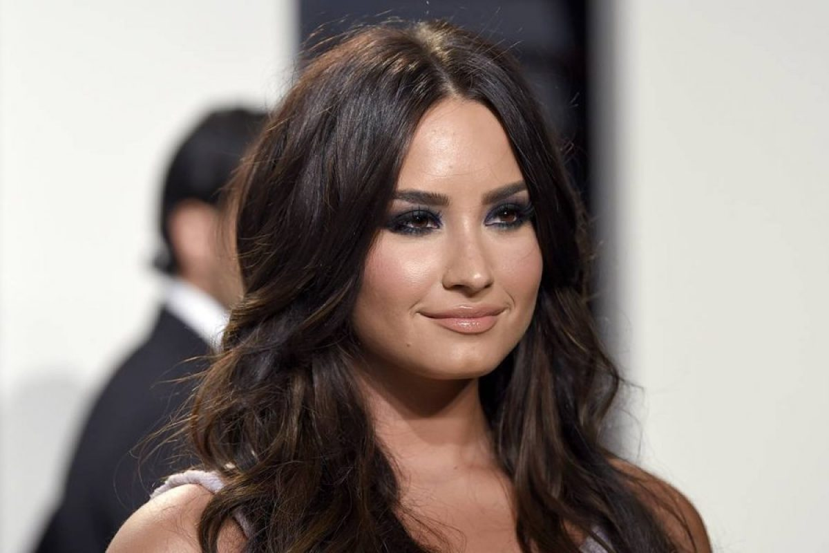 "Demi Lovato estrena el videoclip de su sencillo ""Tell Me You Love Me"""