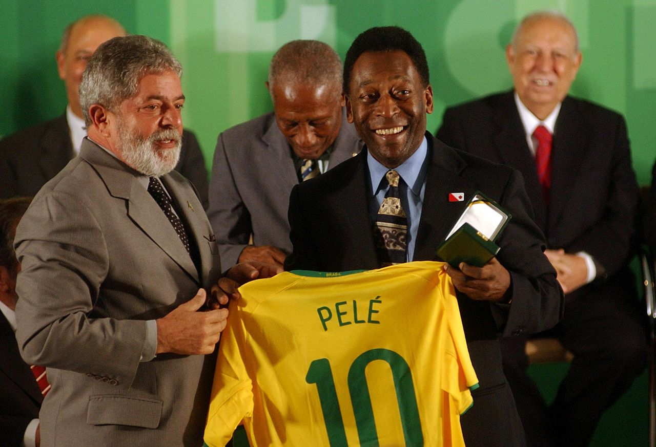 1280px-Pelé_&_Lula