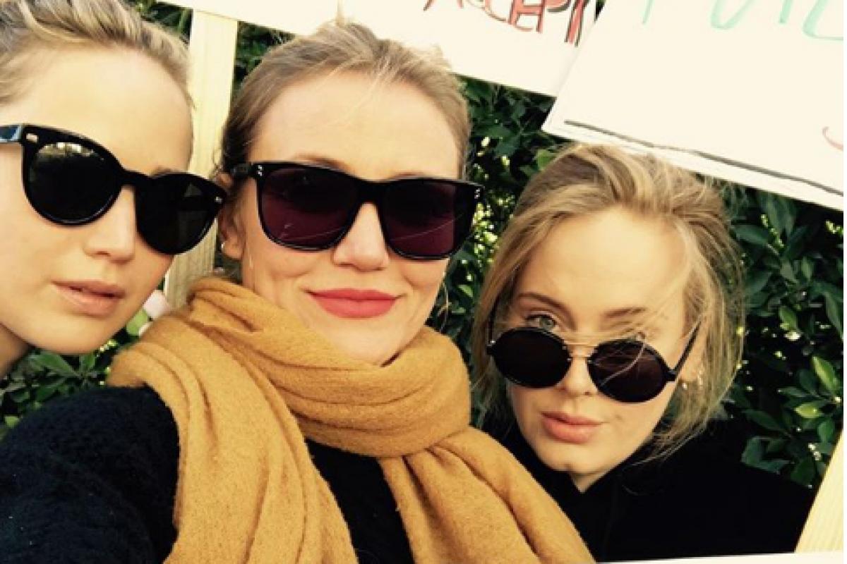 Adele y otras celebridades marcharon por las mujeres