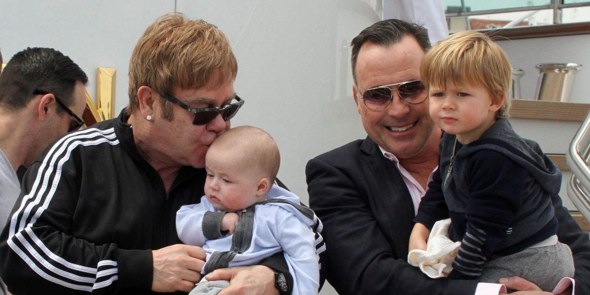 Elton-John-hijos-1200x600