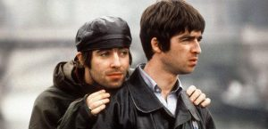 oasis-liam-and-noel-gallagher-1371123623-article-0
