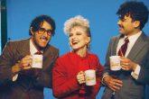 """Paramore nos lleva a los años 80 con su nuevo vídeo """"Rose-Colored Boy"""""""