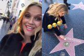 Reese Witherspoon salió a limpiar su propia estrella en el Paseo de La Fama de Hollywood
