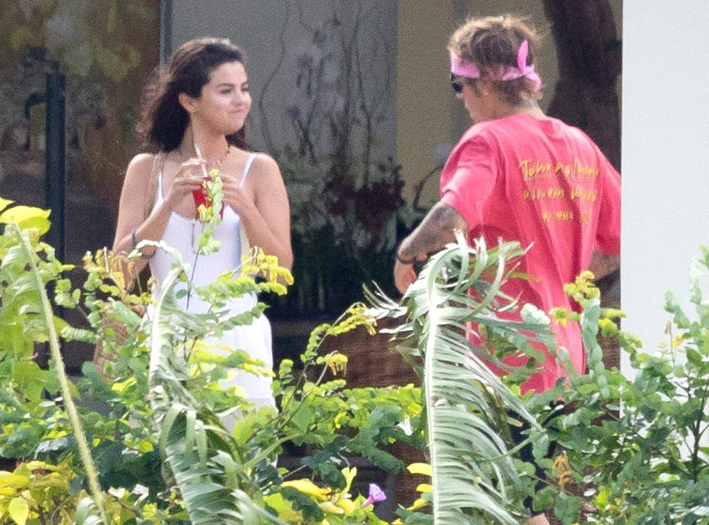 rs_1024x759-180220151150-1024.Selena-Gomez-Justin-Bieber-Jamaica.ms.022019