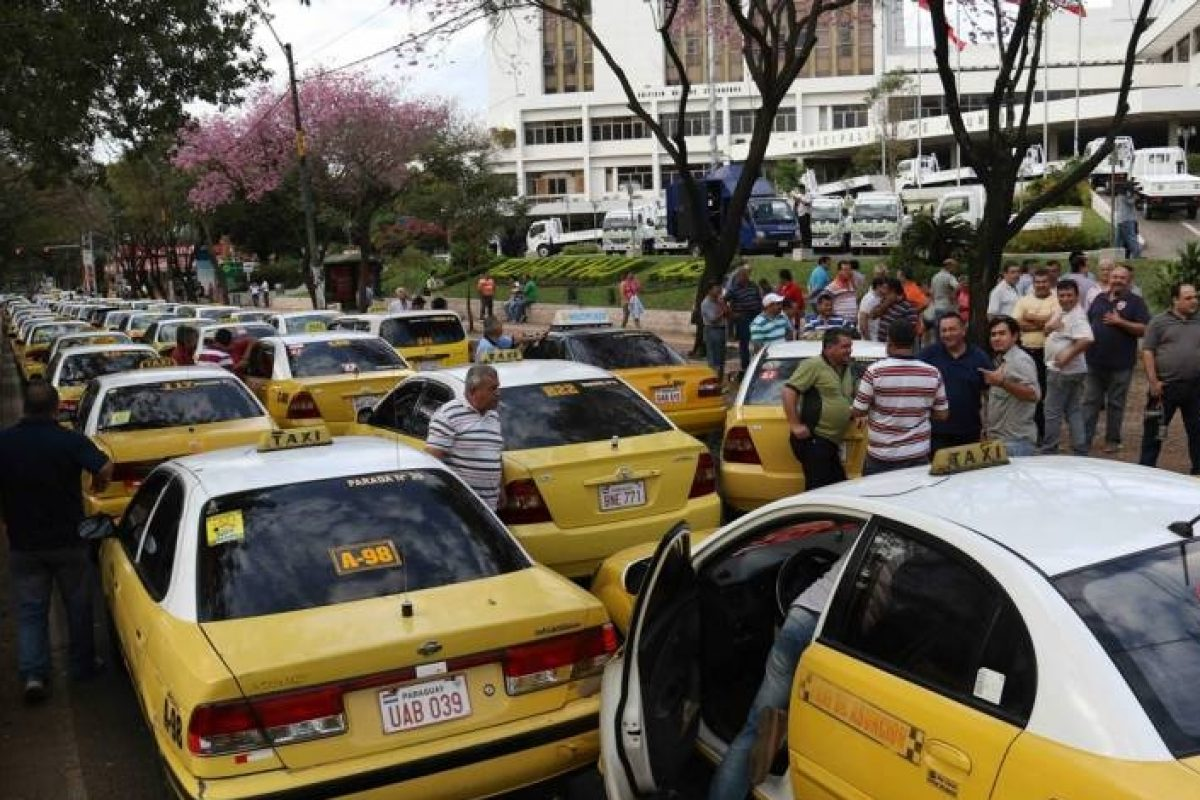"""Uber no es garantía de modernización ni seguridad"", según taxistas"