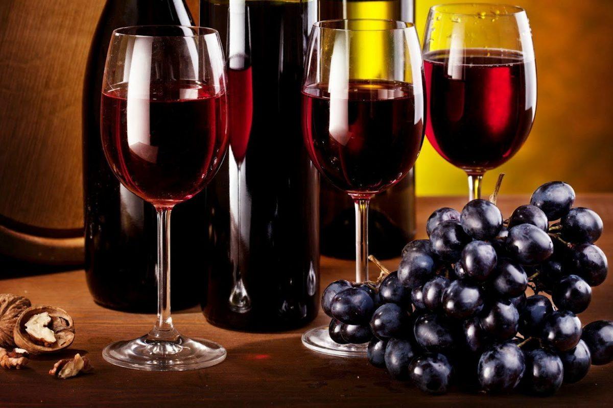 5 razones para beber vino tinto