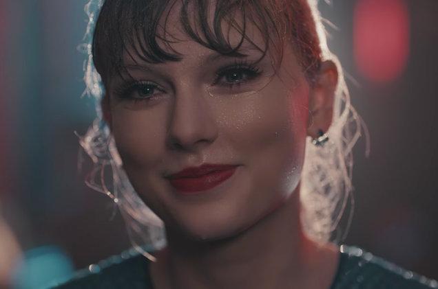 08-Taylor-Swift-Delicate-screenshot-billboard-1548