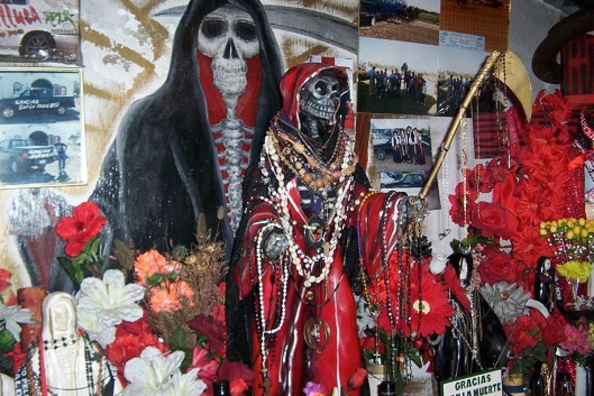 Matrimonio sacrificó a sus mascotas como ofrenda para San La Muerte