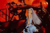 Ariana Grande dio una presentación sorpresa en Coachella