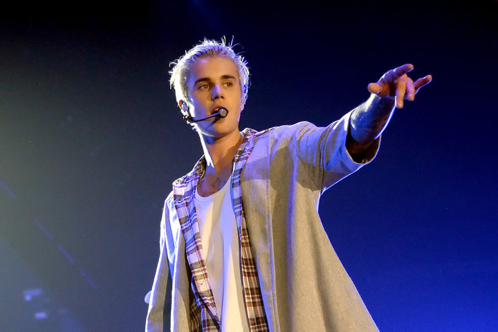 SEATTLE, WA - MARCH 09:  Singer/songwriter Justin Bieber performs onstage at KeyArena on March 9, 2016 in Seattle, Washington.  (Photo by Kevin Mazur/WireImage)