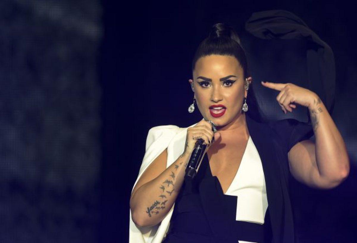 """Mirá la emotiva primera presentación del nuevo single de Demi Lovato """"Sober"""""""