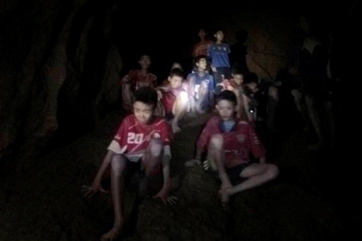 Murió uno de los buzos que intentaba rescatar a los niños atrapados en Tailandia