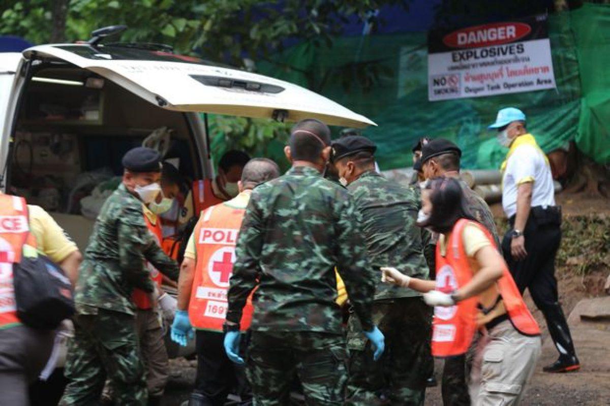 Continúan los procesos de rescate de los chicos atrapados en una cueva en Tailandia