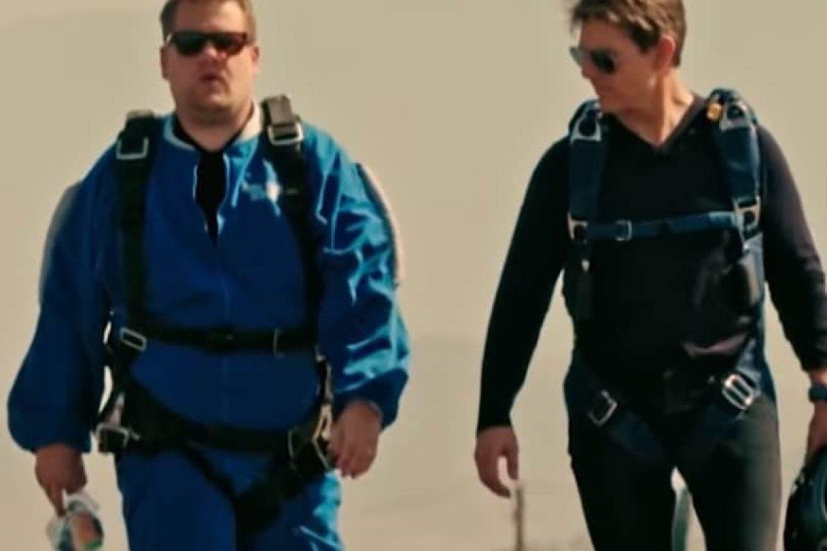 Tom Cruise obligó a James Corden a tirarse en paracaídas