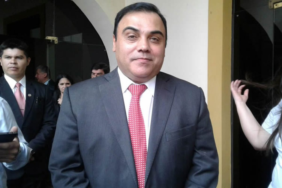 Abogado dice que Díaz Verón corre peligro en Tacumbú y presentará apelación