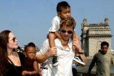 Angelina Jolie acusó a Brad Pitt de no pagar la manutención de sus hijos