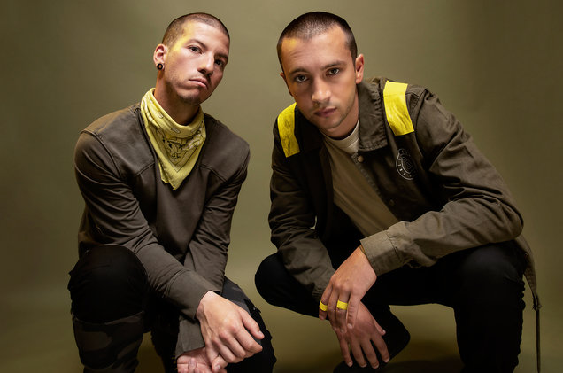 02-Twenty-One-Pilots-press-cr-Brad-Heaton-billboard-1548