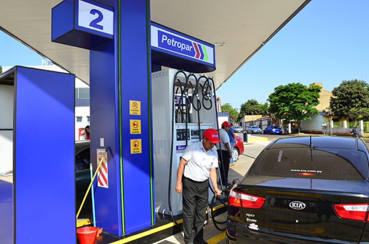 Titular de Petropar y operarios de estaciones de servicio se reunirán para definir precios de combustibles