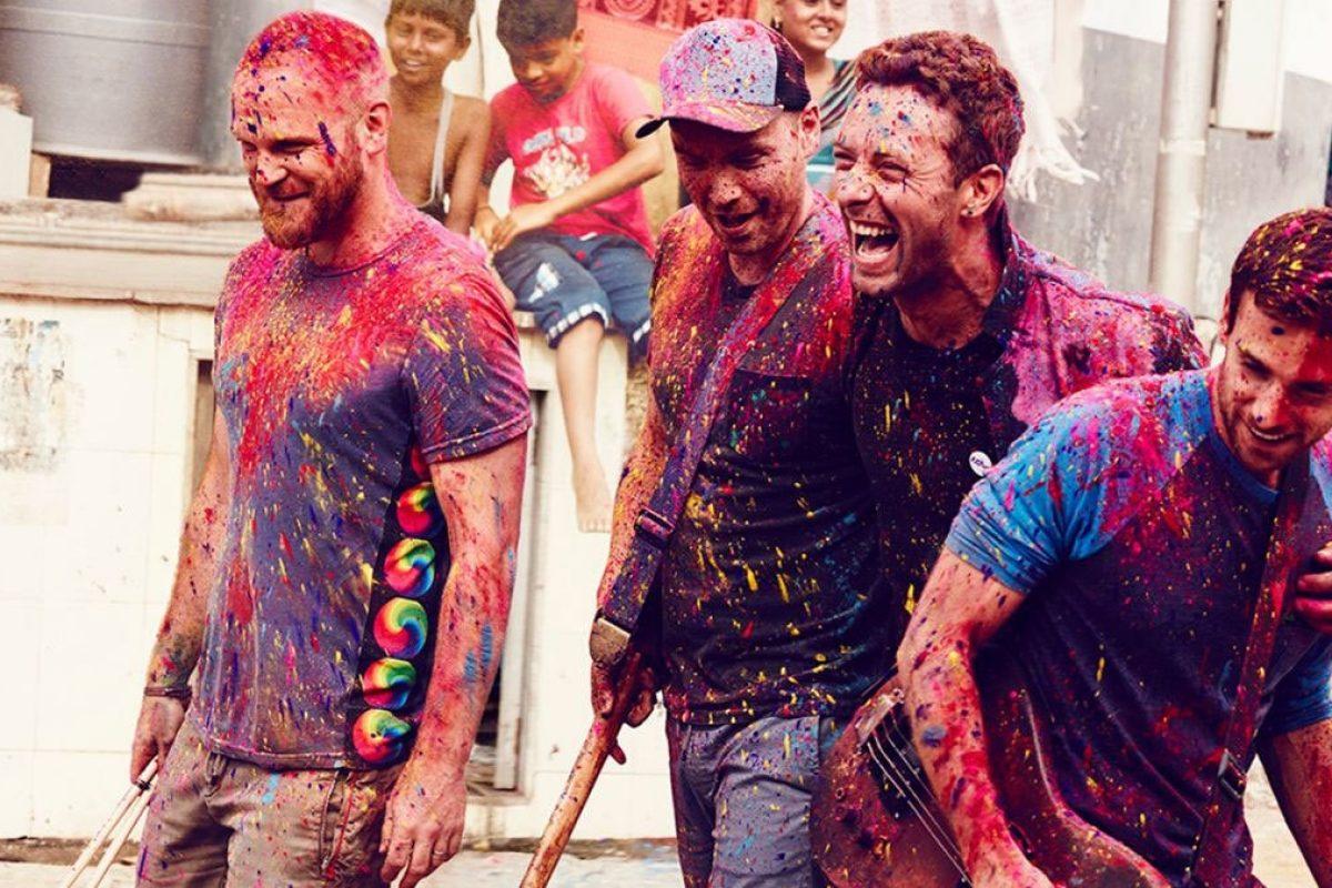 Coldplay cumple 20 años y hoy estrena su película