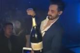 Hombre echa una botella de champagne de $42,510. Mirá su reacción!