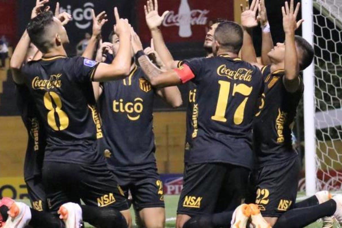 Guaraní golea a 3 de Febrero y recobra chances para clasificación a Copa Internacional