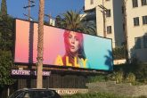 """El cartel de """"Ally"""" de """"A Star Is Born"""" existe en Los Ángeles al igual que en la película"""