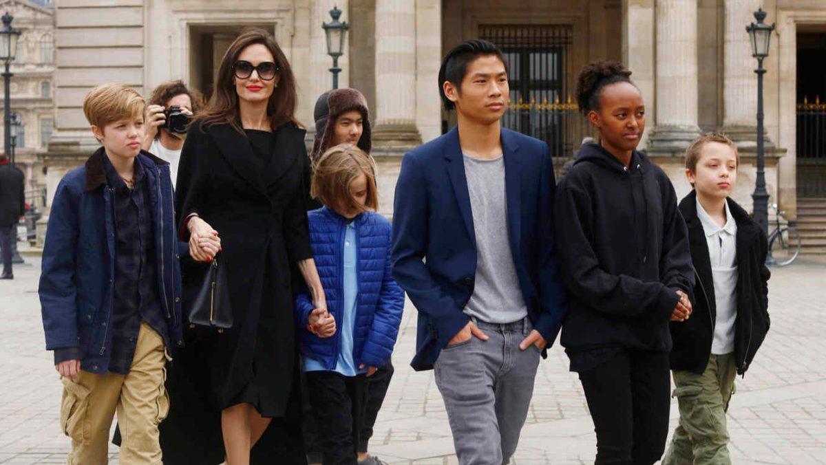 Angelina Jolie y sus hijos de incógnitos, ha dado la vuelta al mundo!