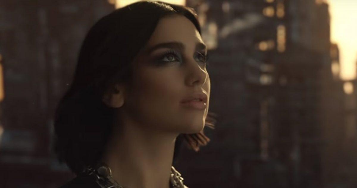 """Mirá el videoclip de""""Swan Song"""", el nuevo single de Dua Lipa"""
