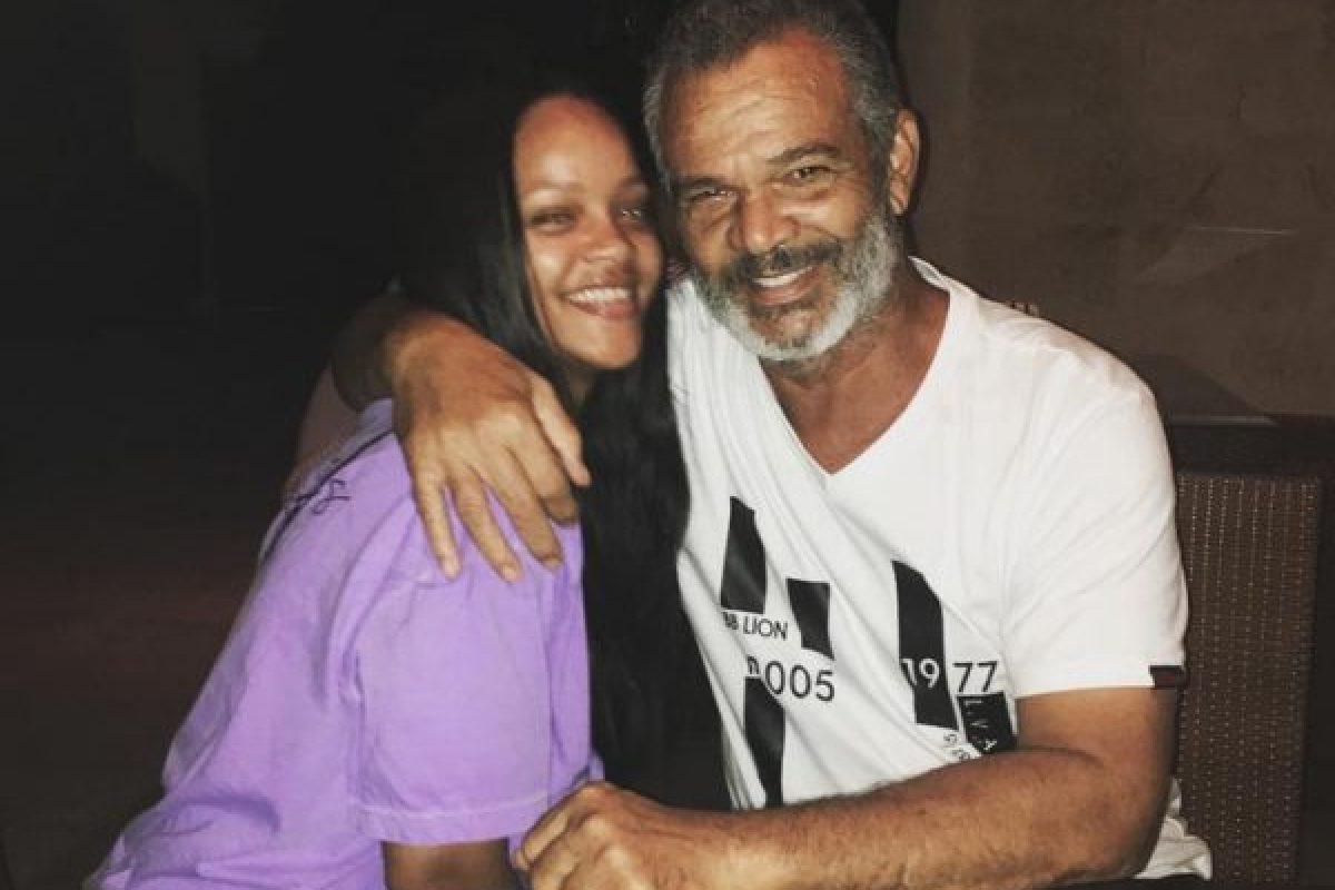 """Rihanna demandó a su papá por explotar su marca """"Fenty"""""""