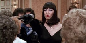 witches-anjelica-huston-head-witch-review