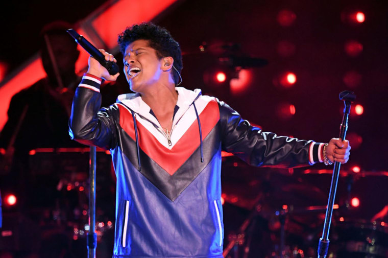 bruno-mars-performs-at-the-59th-grammy-awards-february-12-2017